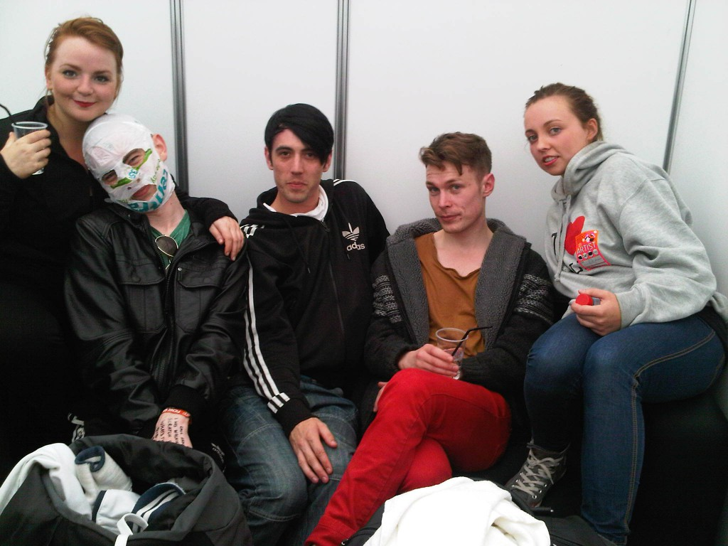 some ponies with the rubberbandits (Paula is sitting on the second one)